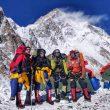Oswald Rodrigo Pereira, Magdalena Gorzkowska y sus dos sherpas, en el CB del K2 invernal.