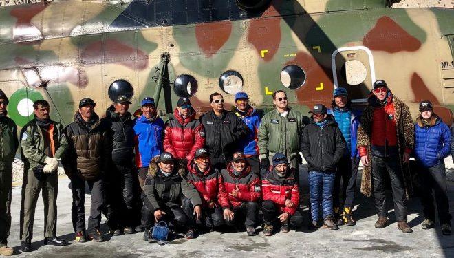 Un helicóptero militar evacuó a los autores de la primera invernal al K2 del CB.