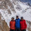 Ali Sadpara, John Snorri y Sajid Ali, en el K2 invernal.