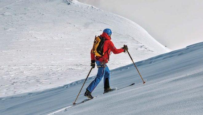 Un casco que nos sirva para escalar y esquiar nos hará ahorrar dinero y espacio.