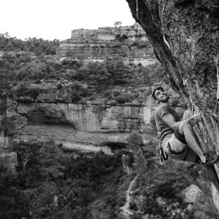Jonatan Flor en 'La Rambla' 9a+ de Siurana.