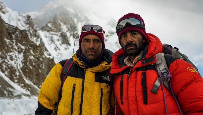 Imtiaz Hussain y Akbar Ali, en el CB del K2.