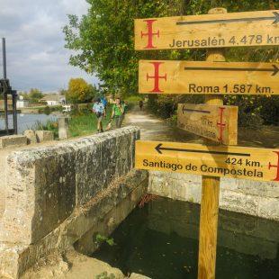 Unión del Camino Francés y el Camino Lebaniego en Fromista