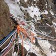 Viejas cuerdas en el K2 invernal.