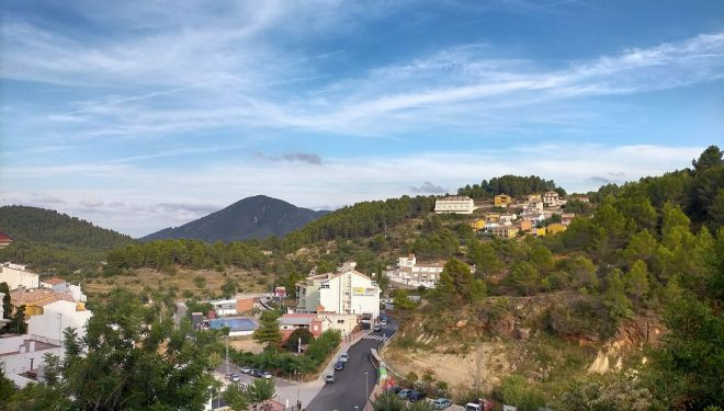 Vista del poble des de dalt, Suera