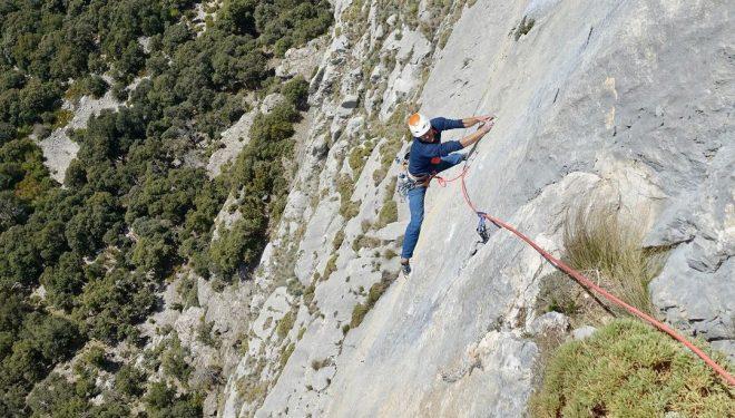 Siebe Vanhee en 'Piztu da piztia' (200 m, 8b/+) en Peña Montañesa.