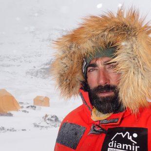 Jonatan García en su expedición al Dhaulagiri en la primavera 2021.