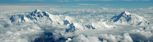 El Everest desde un avión de Nepal a Bhután