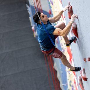 Alberto Ginés practicando Velocidad.
