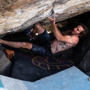 Daniel Woods en 'Grand illusion' 8C+ de Little Cottonwood Canyon.