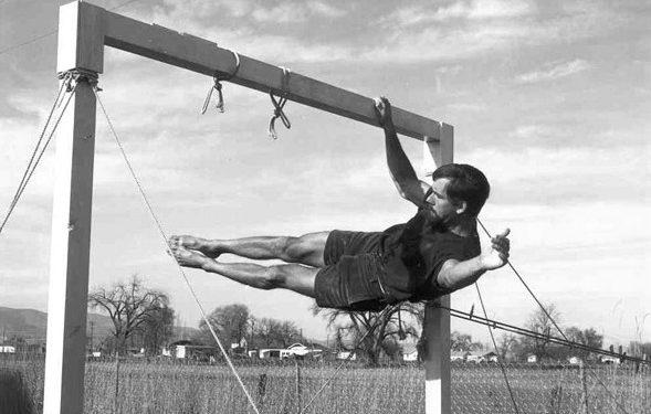 Icónica foto de John Gill entrenando a finales de los 60