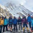El equipo pakistaní de fijación de cuerdas en el K2.