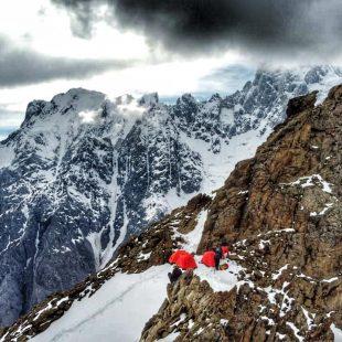 Campamento de altura en el Muchu Chhish.