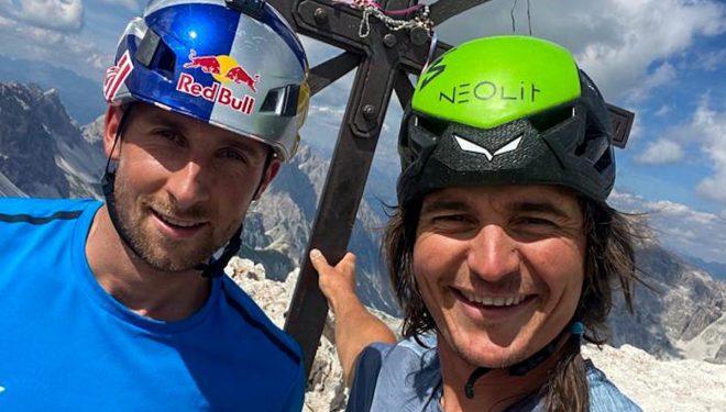Nicolas Hojac y Simon Gietl en la cumbre de la Cima Grande di Lavaredo (Foto: Col. S. Gietl).
