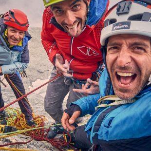 Fabrizio Mononi, Tommaso Lamantia y Luca Moroni en 'RücknRoll' (500 m, ED+, 7b+) al Mittelrück (Foto: Col. T. Lamantia).
