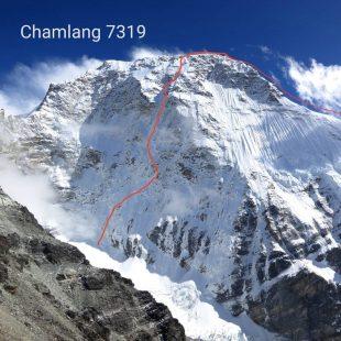 Línea de 'À l'ombre du mensonge' en la cara norte del Chamlang (Foto: B. Védrines / C. Dubouloz).