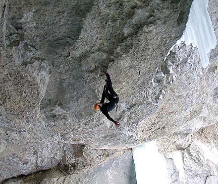 Israel Blanco encadenando The Game (M13) en Cineplex Cave (Canadá).  (Andrea Gallo)