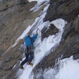 Jordi Tosas escalando en Benasque  (Jordi Tosas)