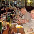 Las cenas en Güemes son verdaderas tertulias donde se habla y escucha en varios idiomas.  (Grandes Espacios/Reginal Muschel)