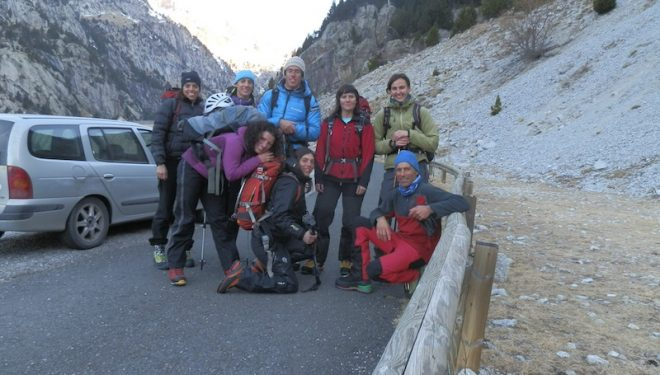 Durante la primera concentración del Equipo Femenino de Alpinismo (EFA) 2012-2014 Arriba de izda a dcha