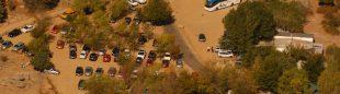 Vista aérea del aparcamiento de Canto Cochino en el interior de La Pedriza