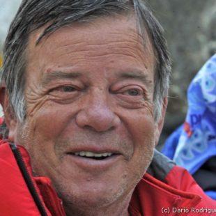 Campo base del Everest 2011. El doctor Jose Ramón Morandeira.  (©Darío Rodríguez)