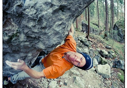 Hacía mucho tiempo que no se oía hablar de Klem Loskot. El escalador  austriaco fue de los más prolíficos en cuanto a búlder extremo a finales de  la década ... 56eb5b3ed63