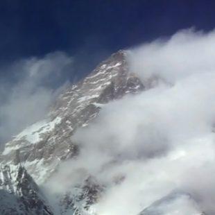 Broad Peak invernal ventoso en febrero de 2013  (Polishwinterhimalaism.pl)