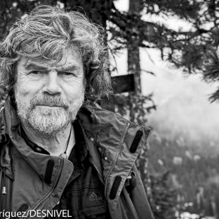 Reinhold Messner en la reciente International Mountaineering Summit 2012.  (© Darío Rodríguez/DESNIVEL)