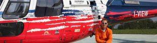 Simone Moro y su helicóptero de rescate en Nepal  (Col. S. Moro)
