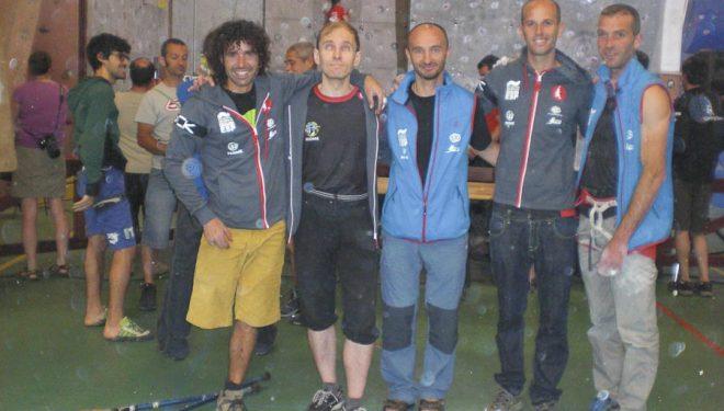 El equipo paraescalada español en los campeonatos Europa Escalada celebrados en Chamonix 2013. De izda a dcha: Urko Carmona