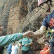 Barbara Zangerl y Dani Moreno echan a suertes quien comenzará a escalar primero en La Visera