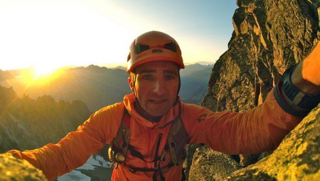 Ueli Steck escalando la Aiguille Noire  (Col. U. Steck)
