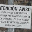 Cartel anunciando peligro por caceria en el Parque Regional de la Cuenca Alta del Manzanares. Caza. Cazador  ()