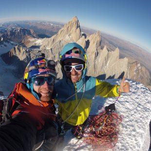 Eneko e Iker Pou en el Cerro Torre  ()