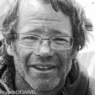 Damián Benegas al día siguiente de llegar al campo base del Everest (2011) tras rescatar a Manuel González Lolo por encima del C4 del Lhotse.  (Darío Rodríguez/DESNIVEL)