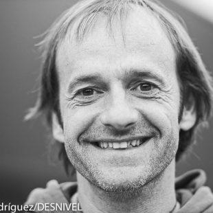 El alpinista Ferrán Latorre en el EMMET 2013  (c) Darío Rodríguez/DESNIVEL)
