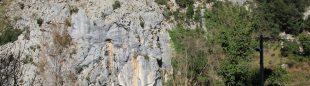 Esta es la pared por la que discurre la vía ferrata El Mirlar.  (Big Wall)
