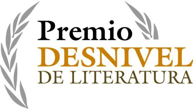 LOGO Premio Desnivel de Literatura de Montaña, Viajes y Aventura.