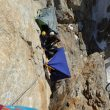Juan Vallejo y Mikel Zabalza en las hamacas de pared en la Sur del Paiju Peak 2014  (WoPeak)