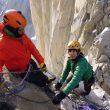 Esteban Degregori y Paula Alegre en las primeras tiradas de la vía Monzino a la Torre Norte (Torres del Paine)  (Oriol Baró)
