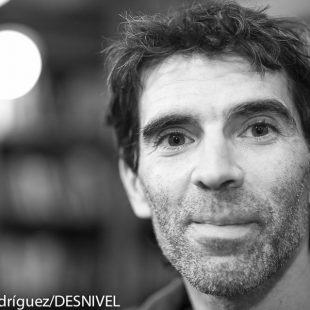 Dani Andrada en la entrevista en la Librería Desnivel que se realizó el 31 diciembre 2014.  (© Darío Rodríguez/DESNIVEL)