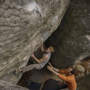 Nalle Hukkataival en Lalchimiste de Fontainebleau  (Neil Hart)