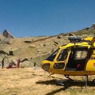 Imagen de un rescate realizado por el Grupo de Rescate de Protección Civil de la Junta de Castilla y León en Candelario.  (JCyL)