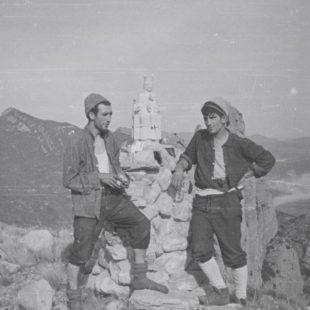 Ursi Abajo y Jesús Ibarzo en la cima de Mallo Pisón tras abrir la Primera a la Carnavalada al Mallo Pisón