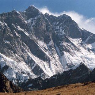 La cara sur del Lhotse desde la ruta al Chukhung Ri  (Uwe Gille)