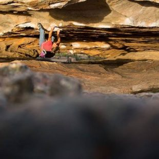 Jorg Verhoeven en The wheel of life 8C de la Hollow Mountain Cave (Grampians)  (Col. J. Verhoeven)