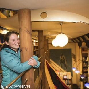 Caroline Ciavaldini en la librería Desnivel. Febrero 2016  (Darío Rodríguez)