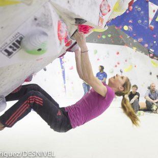 Mina Markovic en el encuentro de Petzl en el Sharma Climbing BCN. Febrero 2016.  (Darío Rodriguez)