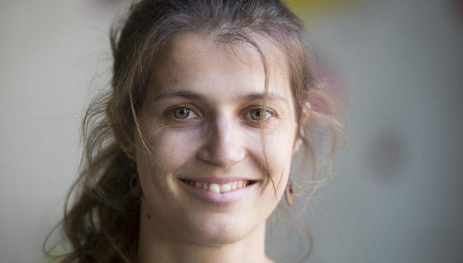 Charlotte Durif en el encuentro escaladores Petzl celebrado en el rocódromo de Chris Sharma en Barcelona.  (© Darío Rodríguez/DESNIVEL)